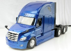 Freightliner Cascadia 126`` BBC72 RC 1:16