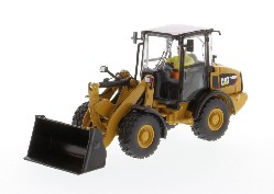 Cat 906M Compact Wheel Loader 1:50