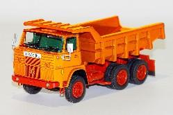 Henschel F261 6x6 mit Steinmulde 1:50