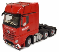 MB Actros Gigaspace 6x2 red Nooteb 1:32