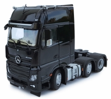 Mercedes Benz Actros Gigaspace 6x2 black