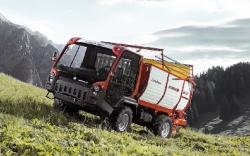 Lindner Unitrac mit Ladewagen