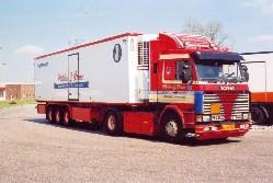 Scania 3er mit Kuehlauflieger 1:50