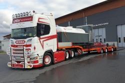 Scania CS20H 6x2 mit Semitieflader 1:50