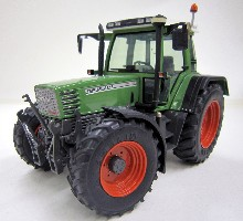 Fendt Favorit 514C  1:32